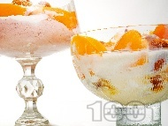 Домашен десертен крем от кайсии, извара и пудра захар